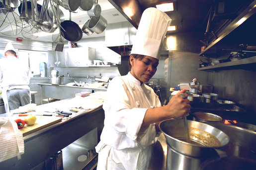 Cristeta_Comerford_White_House_Executive_Chef_2005